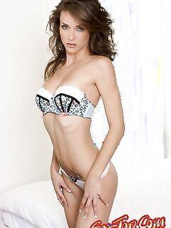 Malena Morgan в постели