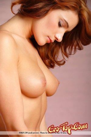 Рыжая с большой грудью