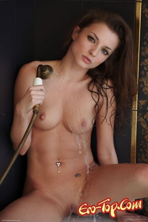 Красотка в ванной