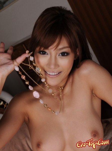 Голая девушка азиатка