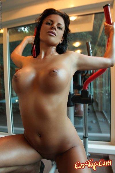 Голая тренировка  Эротика. Смотреть фото красивых голых девушек бесплатно