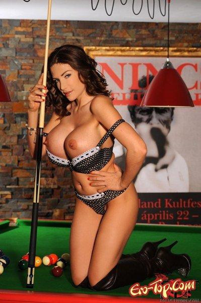 Бильярдные шары  Эротика. Смотреть фото красивых голых девушек бесплатно