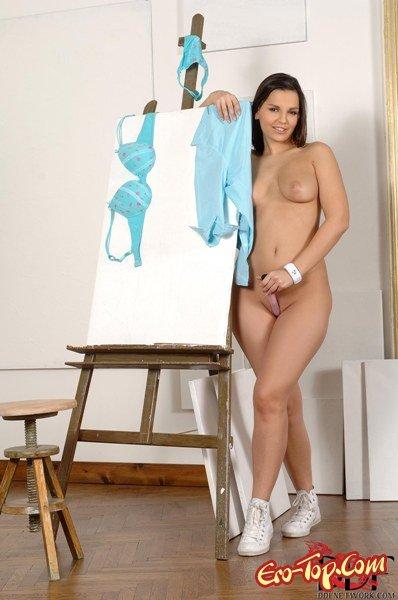 Художник по клитору  Эротика. Смотреть фото красивых голых девушек бесплатно